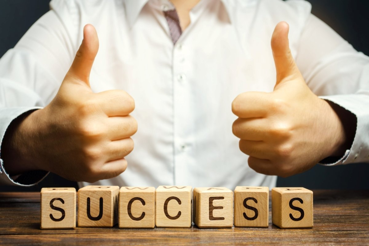 success-thumbs-up-successful-achievement-victory-business-performance-achieving-blocks-businessman_t20_xRxw3X