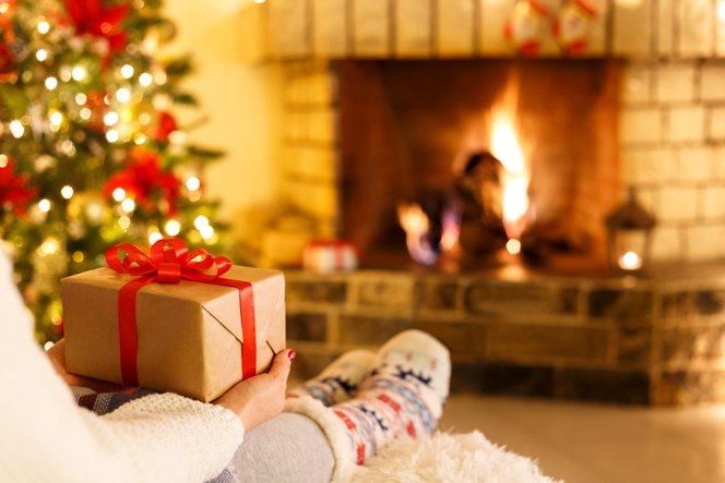 christmas-gift-G3NQV8W